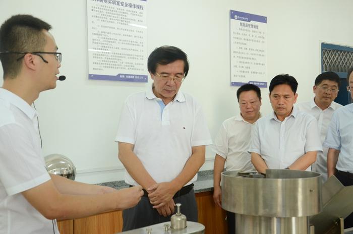 调研组在贵州工程职业学院调研(刘芮摄) (3).JPG